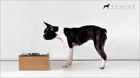 食べやすいおすすめの犬用食器|スモーガスボード(フードボウルスタンド) Doca Pet|犬グッズ通販HAU
