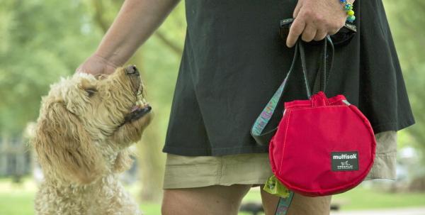 犬の散歩アイデア用品 マルチサック(multisak)|犬用リードに取りつけるお散歩バッグ/マナーポーチ|犬グッズ通販HAU