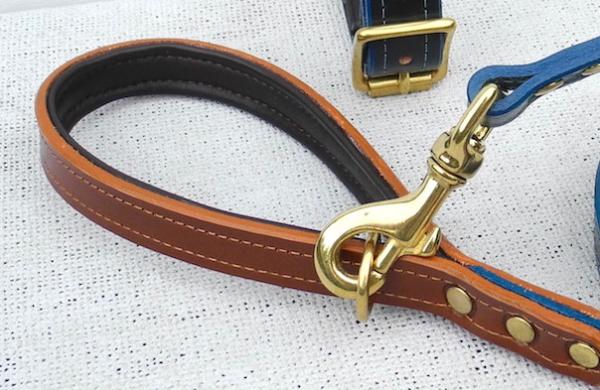 真鍮(ブラス)のゴールドナスカン、リングの革製犬用リーシュ モノグラムレザードッグリード 犬グッズ通販HAU
